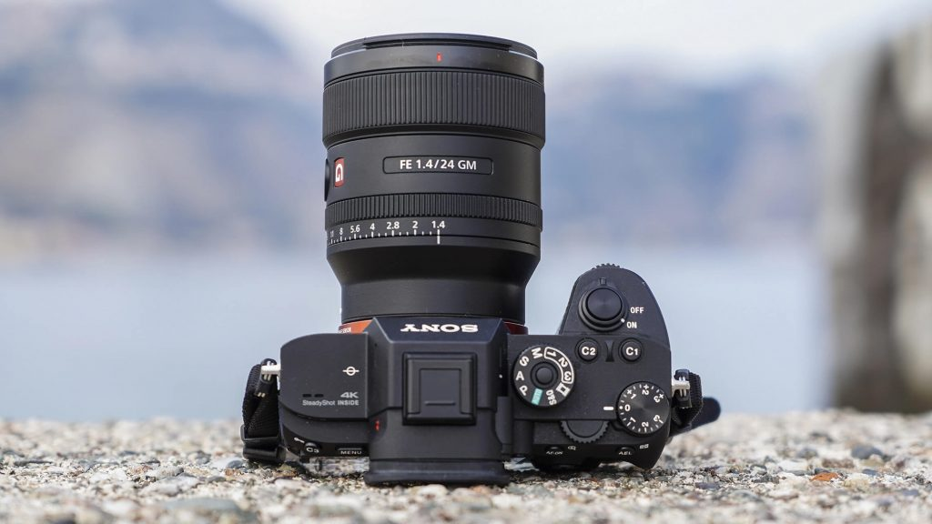 Top 10 Best Sony FE Lenses to Buy in 2021- Reviews & Guides