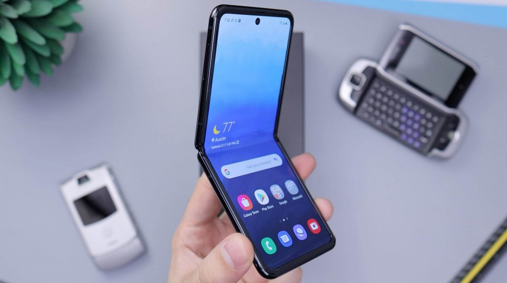 Top 6 Best Foldable phones to buy in 2021 - Reviews & Guides